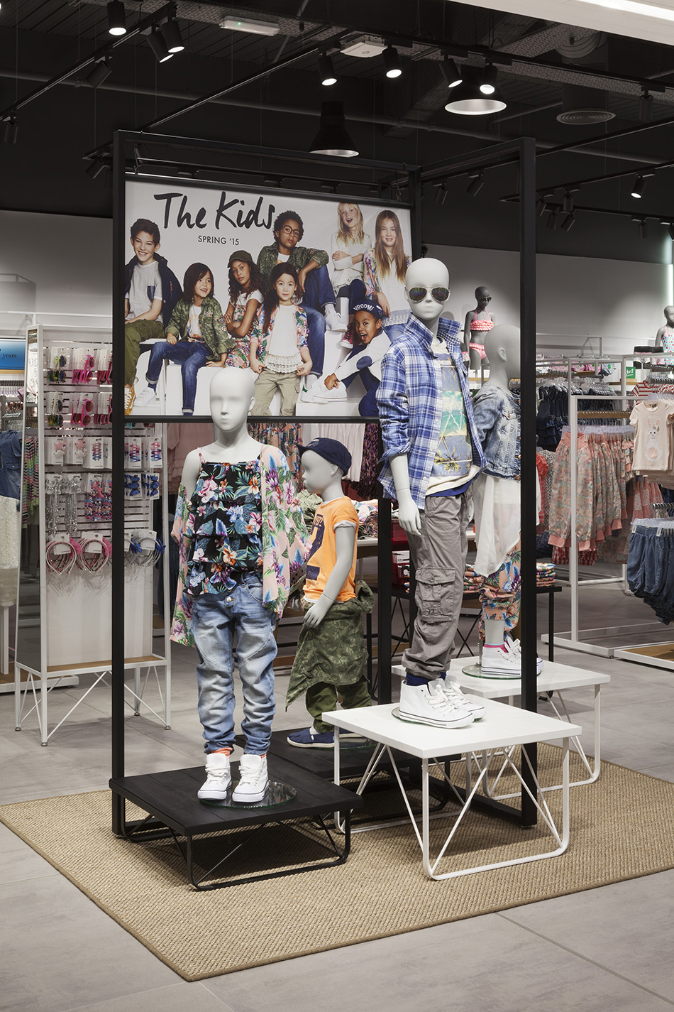 0013 Lindex Westfield Stratford -  Kidswear Campaign Display